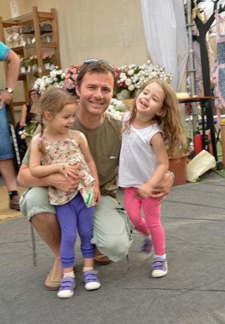 Cristián Venegas Puga, Elisa y Claudia Venegas Puga