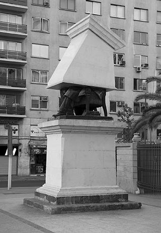 Serie Monumento Editado (Fotografía digital y video instalación)