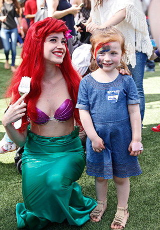 Nina Margozzini junto a Ariel